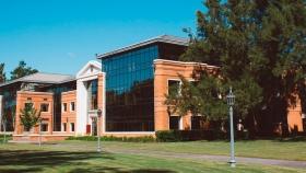 Escuela de negocios argentina en el top 5 del Financial Times para Latam