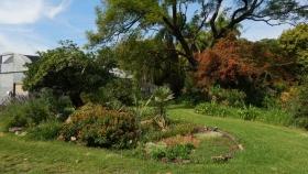 Cursos para todo público en la Escuela de Floricultura y Jardinería