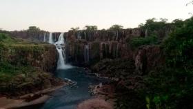 Las Cataratas del Iguazú, sin turistas y con muy poca agua