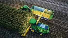 John Deere Machine Sync, tecnología de guiado extendida a tractores y picadoras de forraje