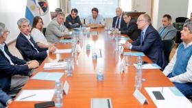 Firman un acuerdo para asegurar la circulación del transporte y el abastecimiento