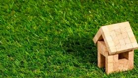 ¿Por qué instalar césped artificial en el jardín?