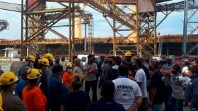 Otro paro de camioneros complica las operaciones en el puerto de Bahía Blanca