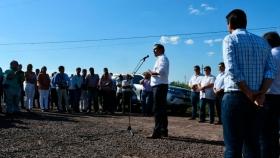 Valdés inauguro 23 kilómetros de ripio en Colonia Progreso