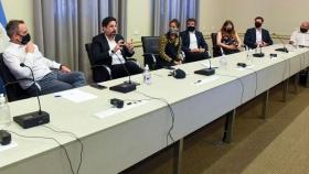 Reunión con representantes de la industria gráfica y papeleras