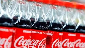 Patea el tablero: Coca-Cola prepara una nueva botella 100% de materia vegetal