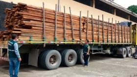 Aprueban normas técnicas para transporte de materias primas