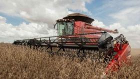 CASE presentó la cosechadora del futuro fabricada en Argentina