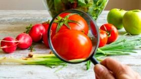 ¿Cuáles son las frutas y verduras con más pesticidas?