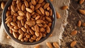La historia desconocida de la almendra, el fruto seco bíblico más consumido en el mundo