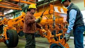 ¿Cuál es el plan de CAFMA para la internacionalización de la maquinaria agrícola?