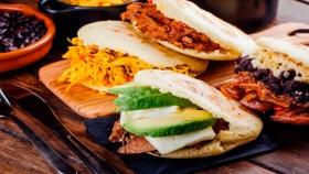 Arepas: el plato venezolano favorito de los porteños