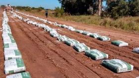 Presentan una innovadora solución para estabilizar suelos y caminos rurales
