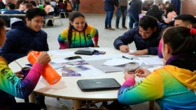 La Escuela Agrotécnica de Victorica dona leche y huevos a municipios