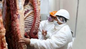 Carne vacuna: cuatro empresas intentaron exportar cortes prohibidos a China